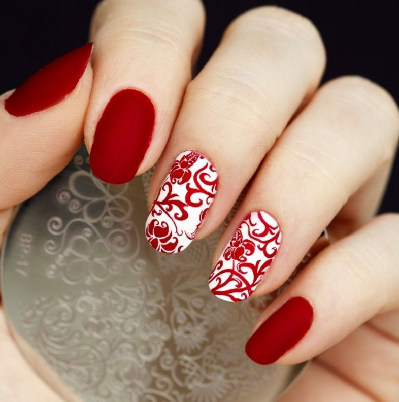 8 spectacular red nail designs - 8 Splendid Red Nail Designs Ideas For A Classic Seductive Look